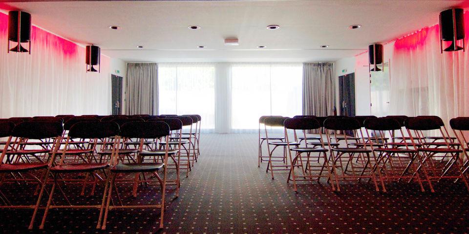 Kube Hotel Saint Tropez * * * * * Salle de séminaire