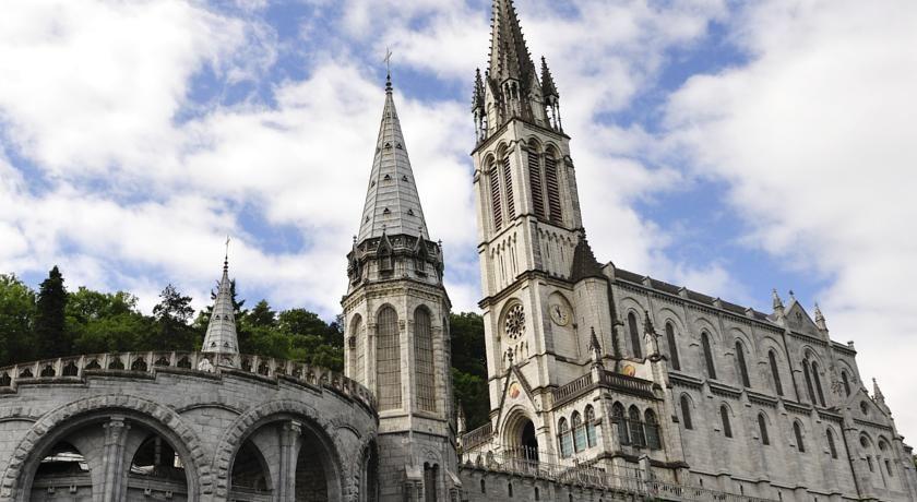 Mercure Lourdes Imperial **** 30