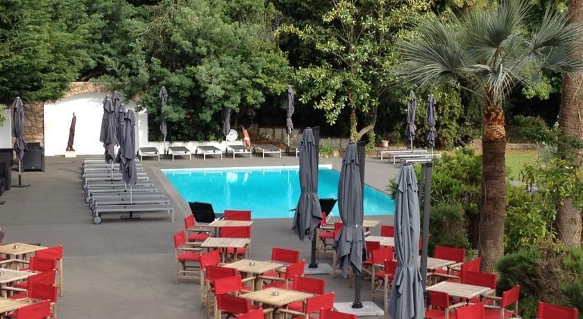 Hotel Chateau de la Tour **** 9