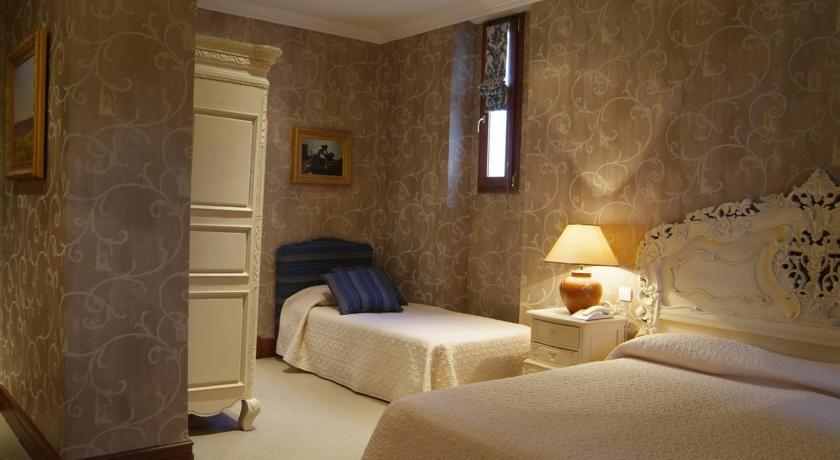 Hotel Chateau de la Tour **** 22
