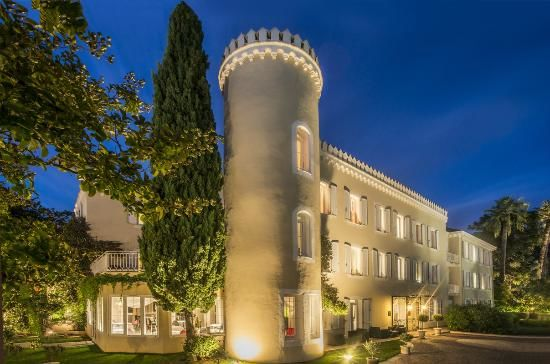 Hotel Chateau de la Tour **** 1