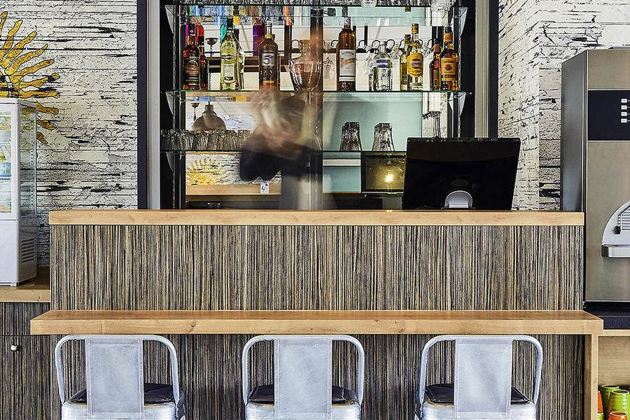 Hôtel Ibis Styles Hyères Centre Gare *** Bar