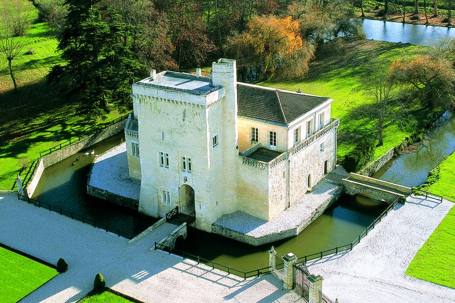 Château La Tour Carnet 4