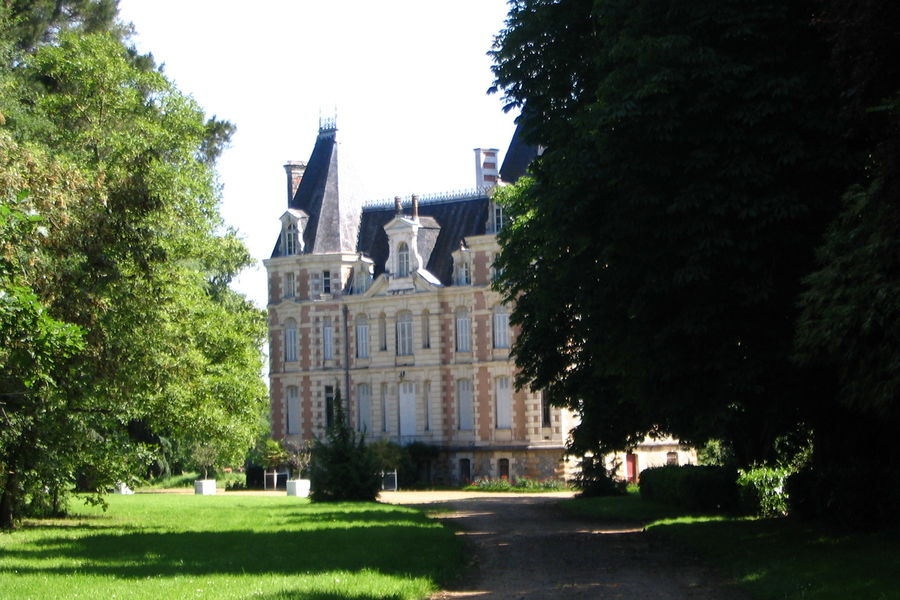 Château de l'Oseraie 1