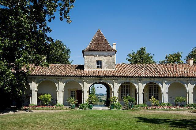 Hôtellerie La Petite Couronne *** 36