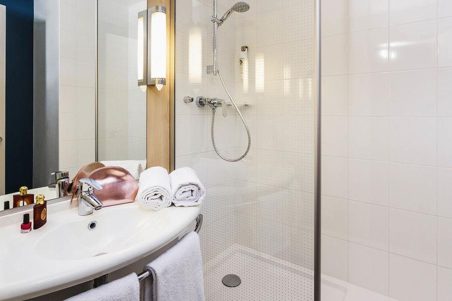 Ibis Grenoble Centre *** Salle de bain