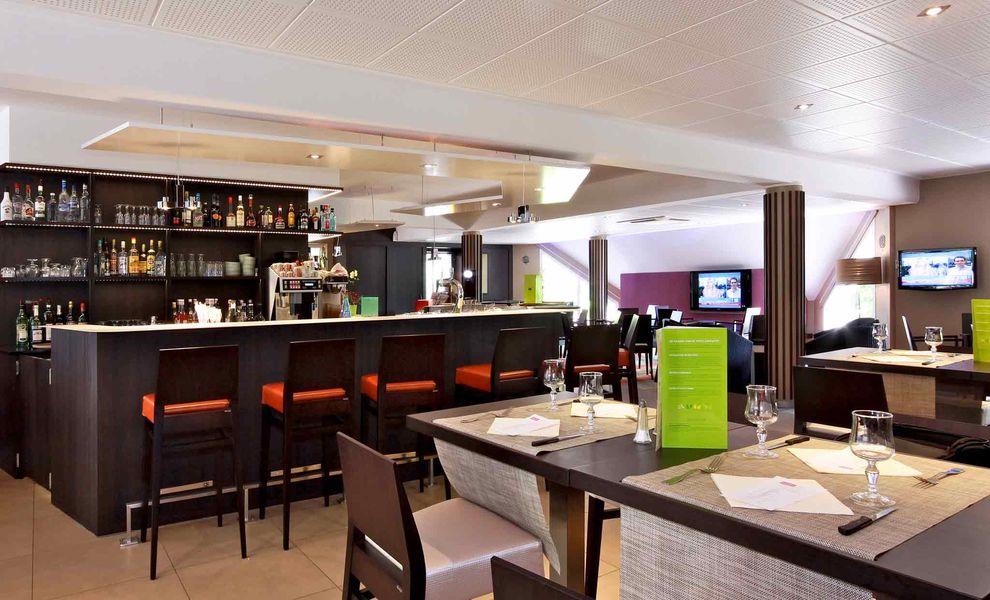 Mercure Luxeuil Les Bains Hexagone *** Bar