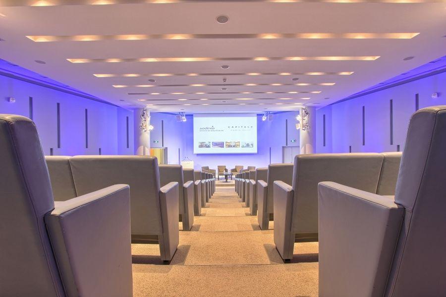 Centre de conferences capital 8 salle de seminaire