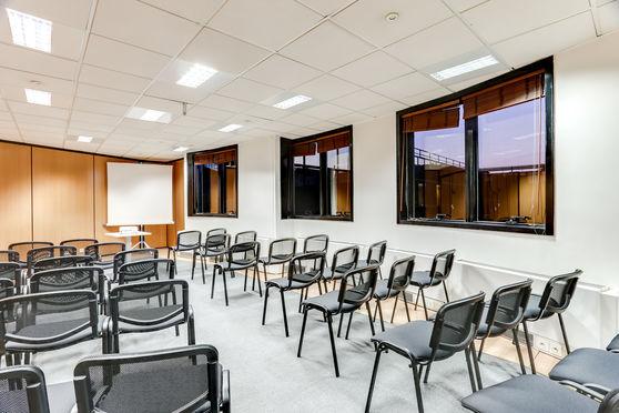 Salle séminaire  - Deskeo Levallois
