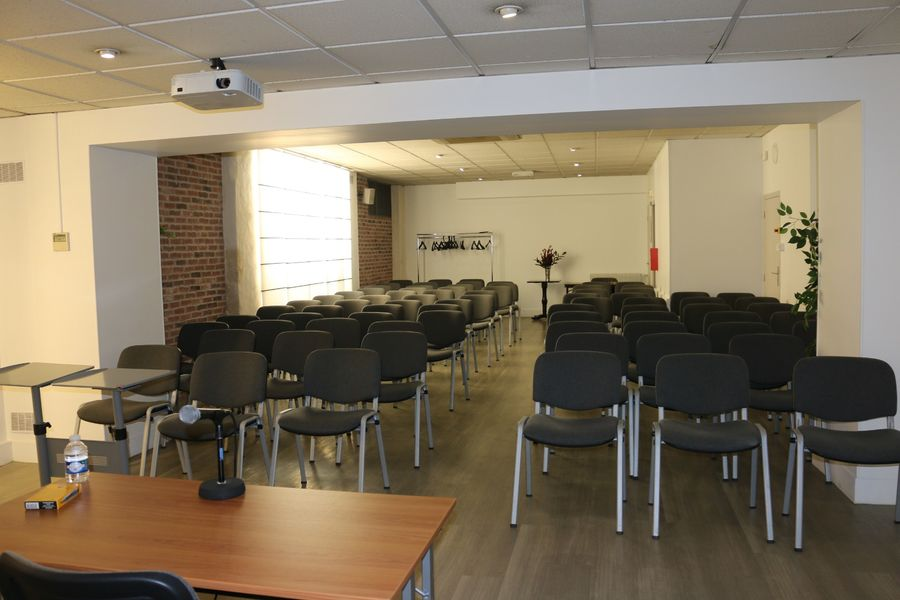 ESPACE TRINITE - DCT Salle de conférence
