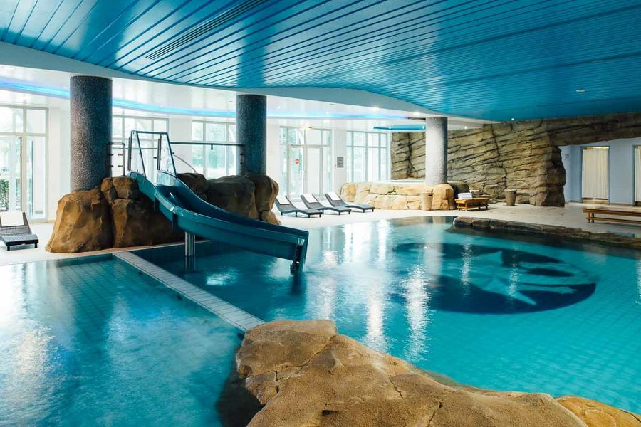 Vienna House Dream Castle Paris **** Piscine