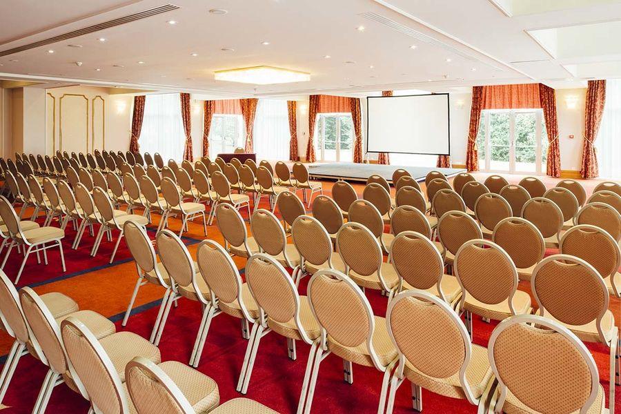 Vienna House Dream Castle Paris **** Salle de séminaire