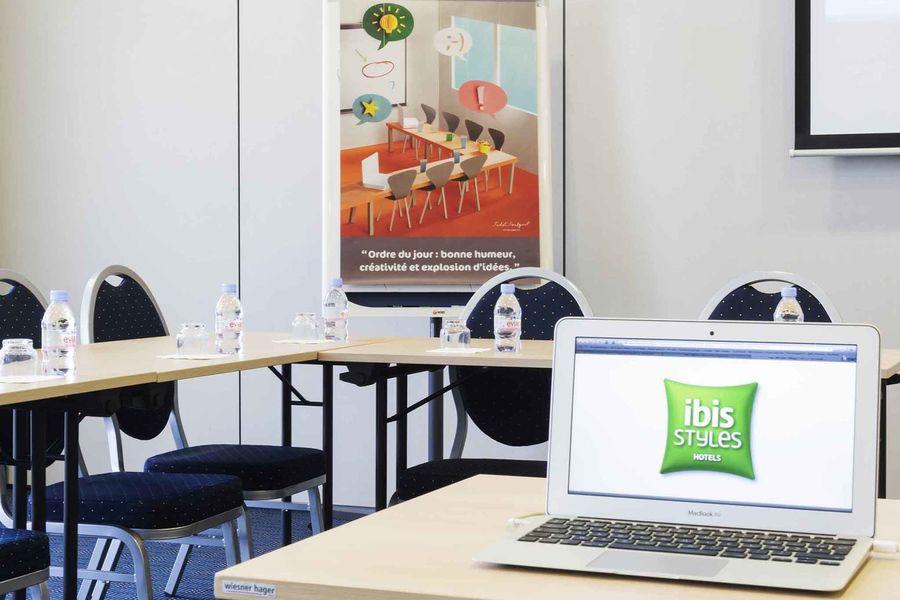 Hôtel ibis Styles Angouleme Nord Salle de séminaire