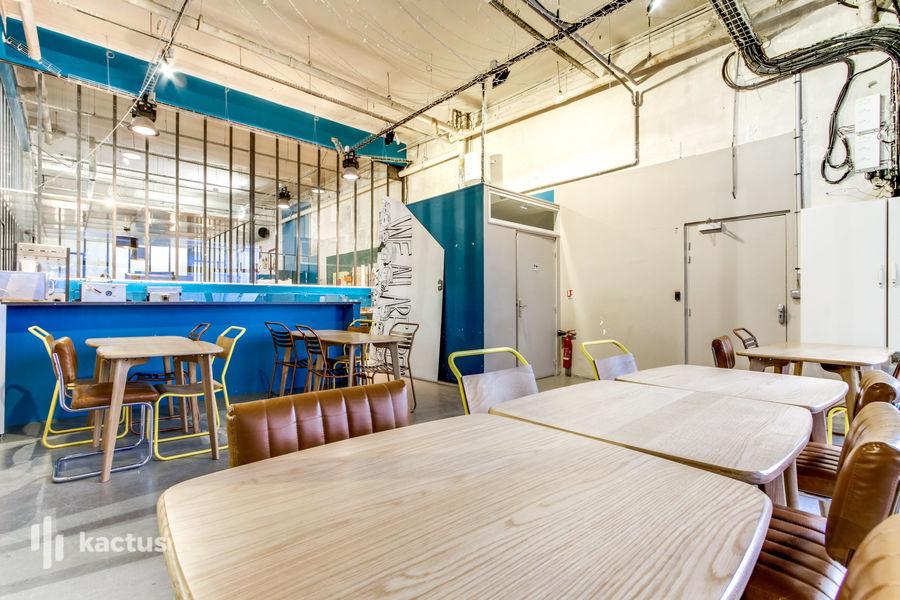Remix Coworking Cour des Petites Ecuries Café