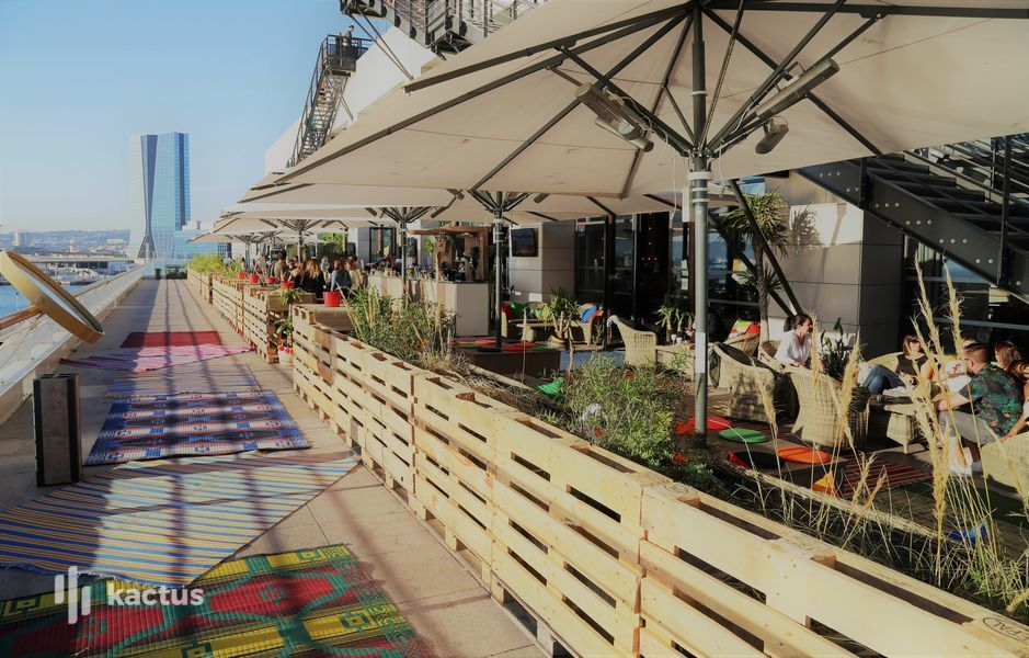 R2 Marseille  Terrasse