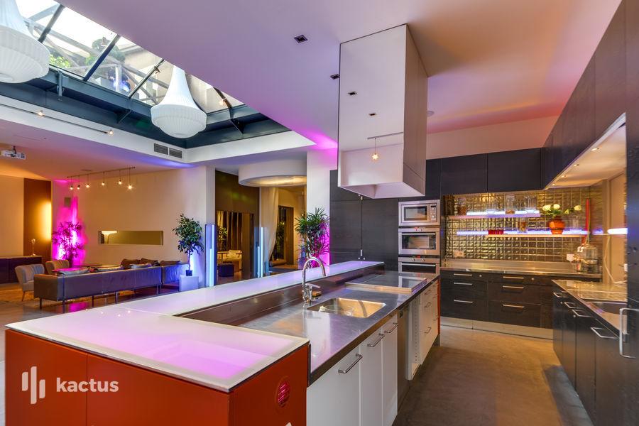 lieu priv le loft tarifs en ligne s minaire soir e. Black Bedroom Furniture Sets. Home Design Ideas