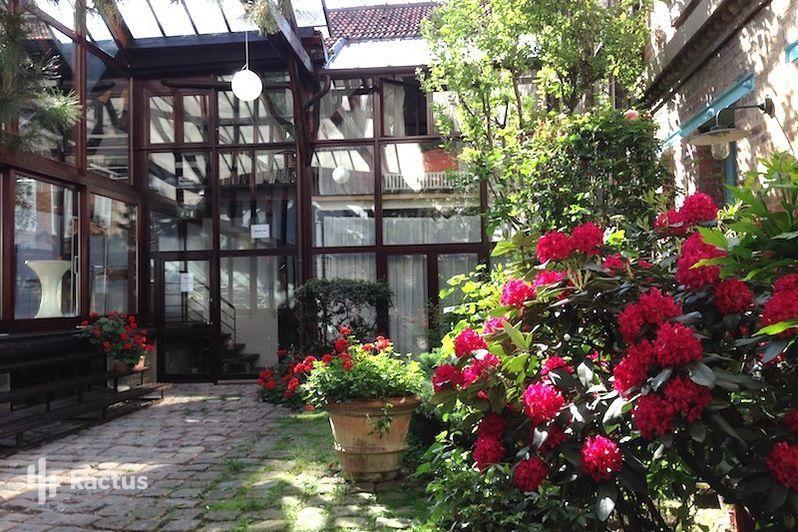 Loft Home Sweet Home Cour intérieure végétale