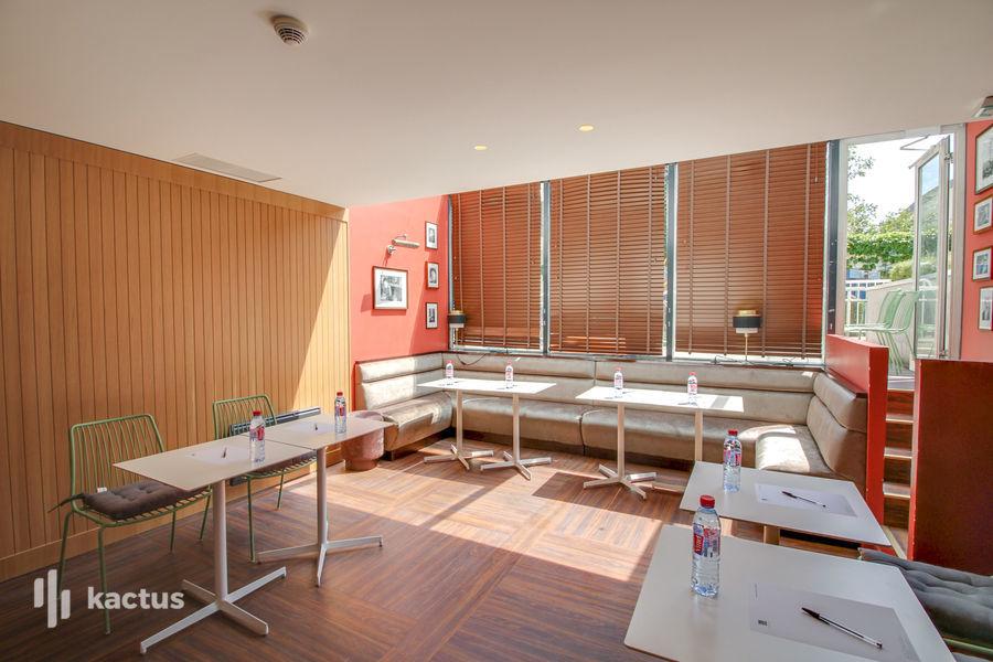 Quality Suites Bercy Bibliothèque *** Salon HappyTime 8h-18h