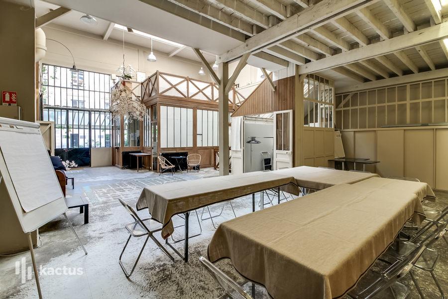 Atelier Eiffel Salon