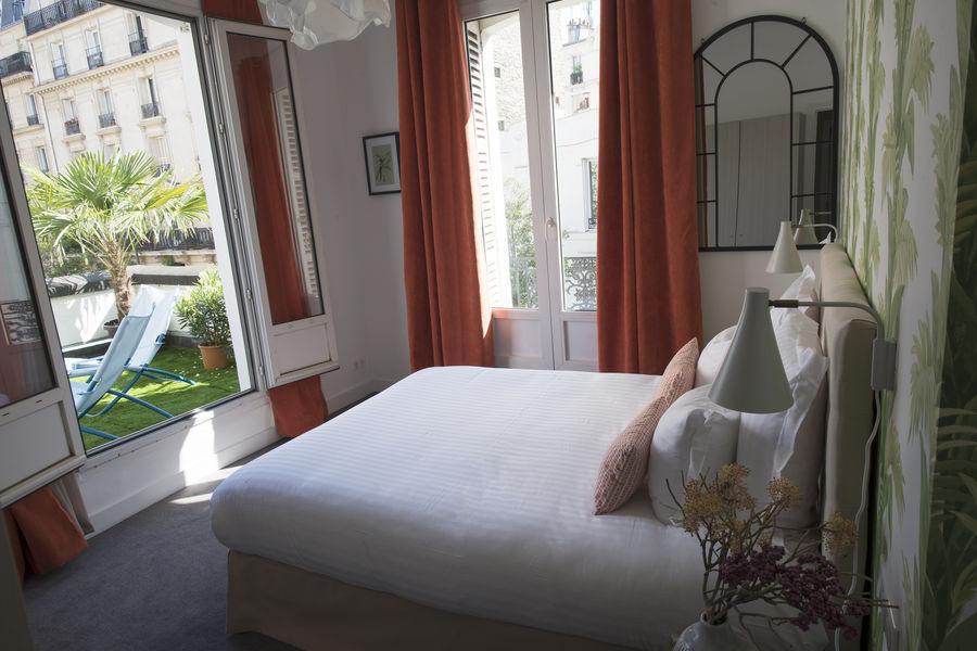 Hôtel des Batignolles 7