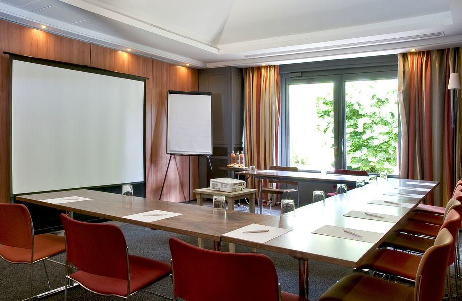 Etangs de Corot **** Salle de réunion