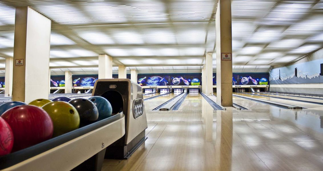 Indy Bowling 1
