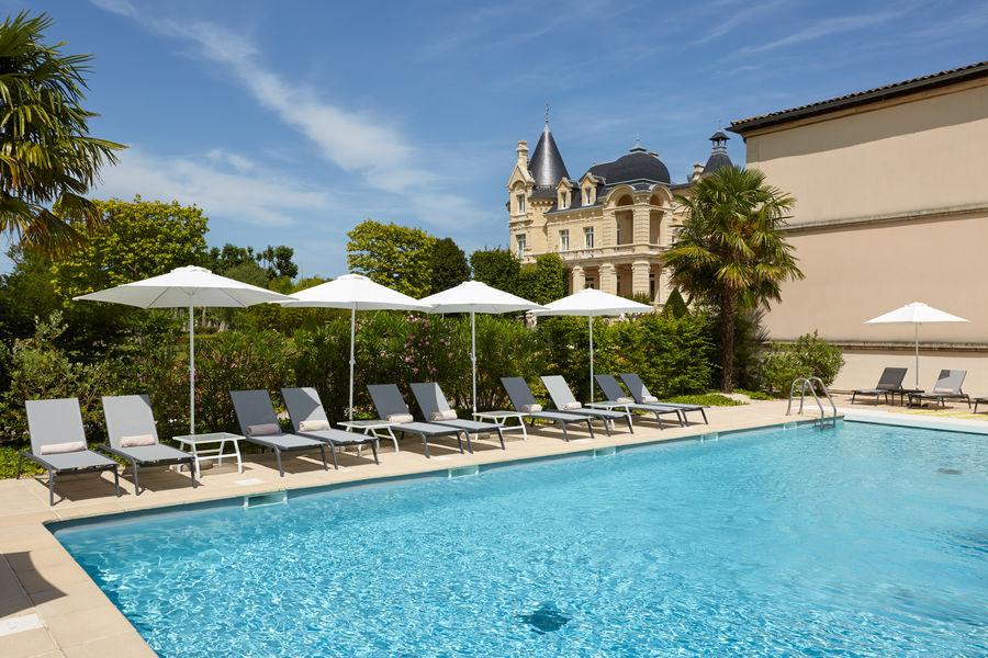 Grand Barrail Château Hôtel et SPA ***** Piscine