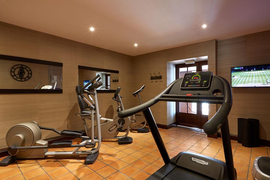 Grand Barrail Château Hôtel et SPA ***** Salle de fitness