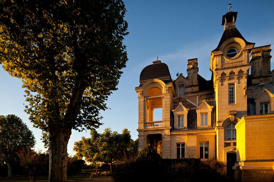 Grand Barrail Château Hôtel et SPA ***** Façade