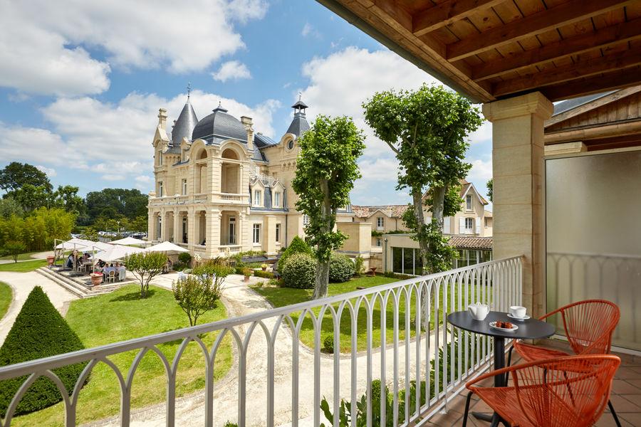 Grand Barrail Château Hôtel et SPA ***** Terrasse de la chambre