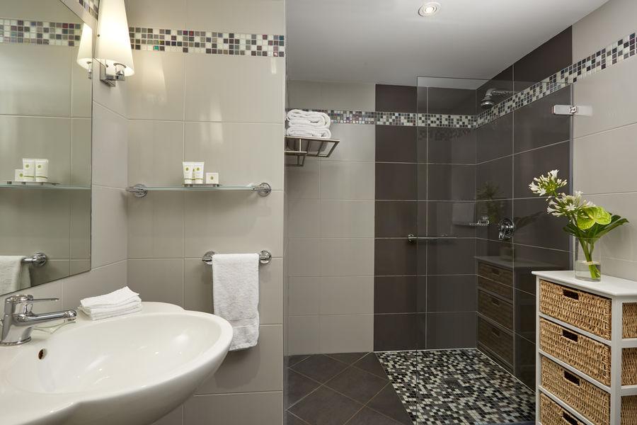 Grand Barrail Château Hôtel et SPA ***** Salle de bain