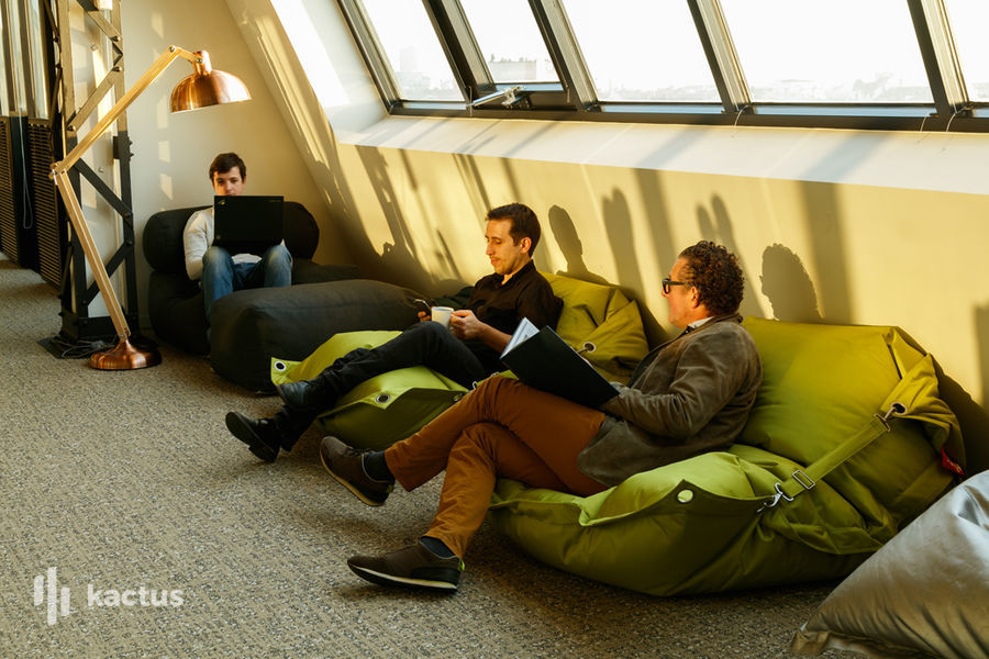 Now Coworking - Lyon Salle brainstorming