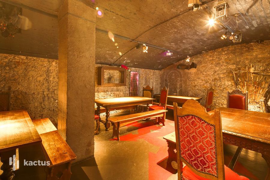 Dernier Bar avant la Fin du Monde Médiévale