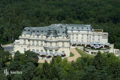 Vue aérienne - Tiara Château Hôtel Mont Royal Chantilly