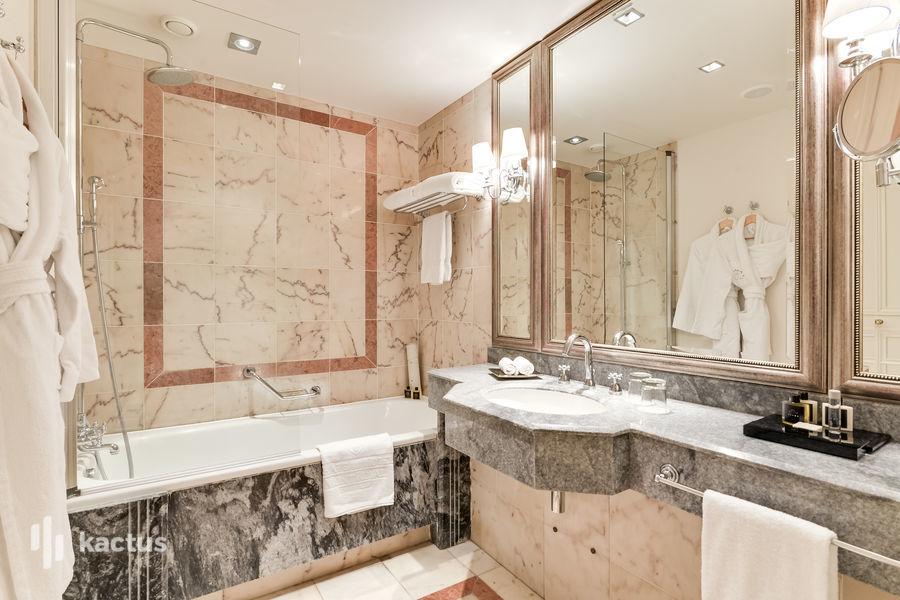 Tiara Château Hôtel Mont Royal ***** Salle de bain