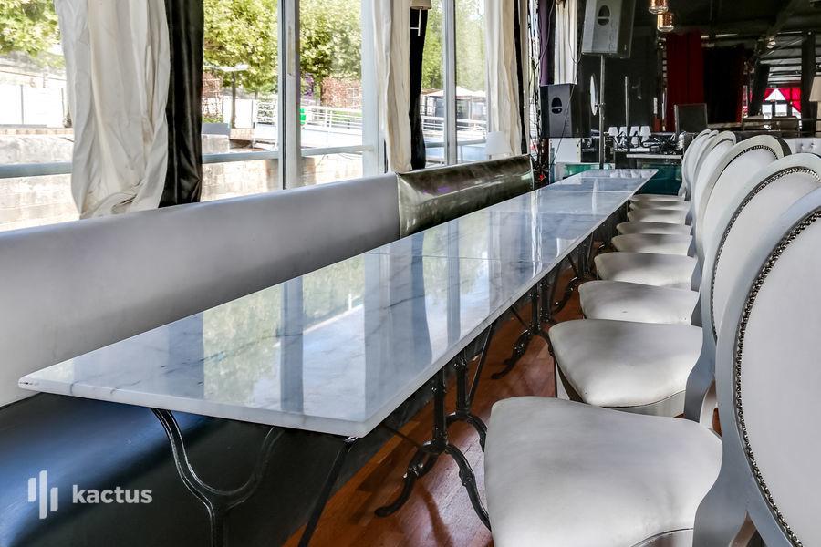 Restaurant Le Café Barge Salon Charles de Gaulle
