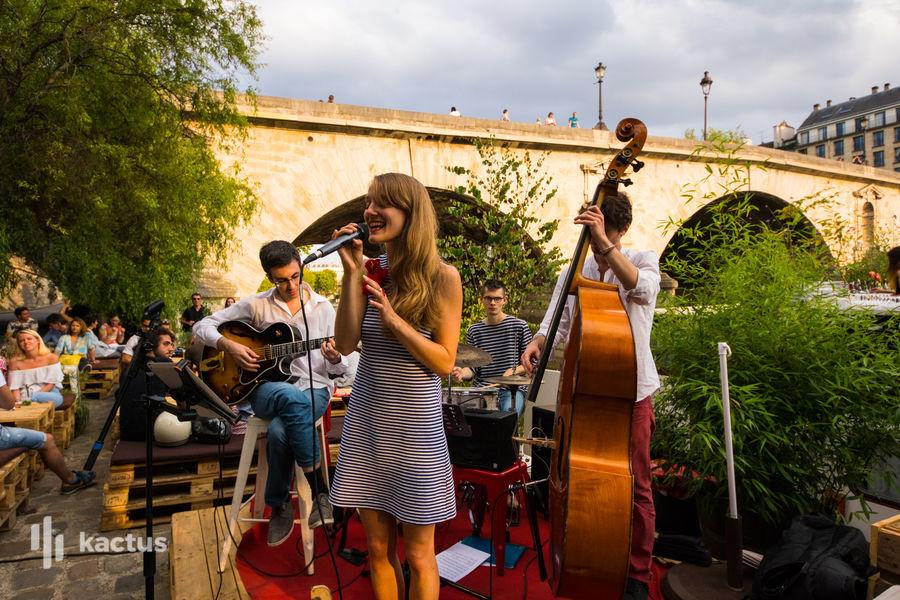 Péniche Le Marcounet Concert sur la terrasse