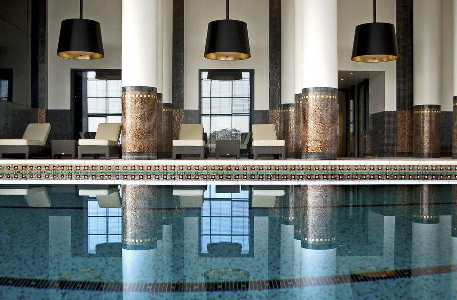 Le Grand Hôtel Enghien-Les-Bains **** Piscine