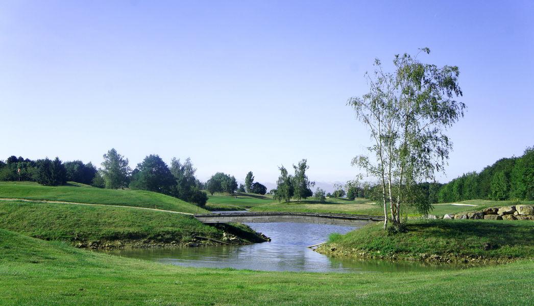 Domaine de Crécy lac sur le golf