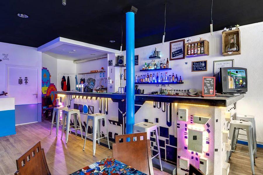 Deux Point Zéro Bar