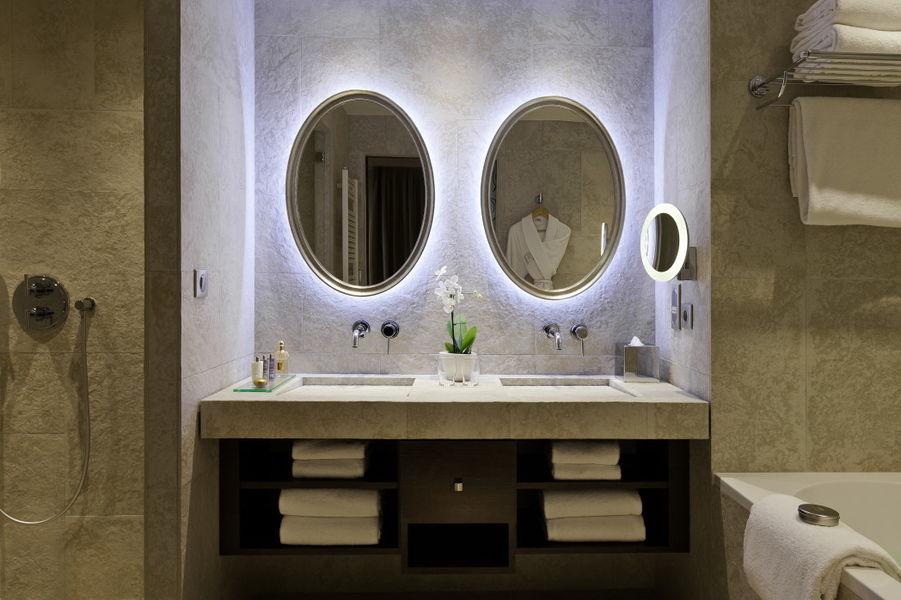 Le Grand Hôtel Dinard ***** Salle de bain suite prestige mer