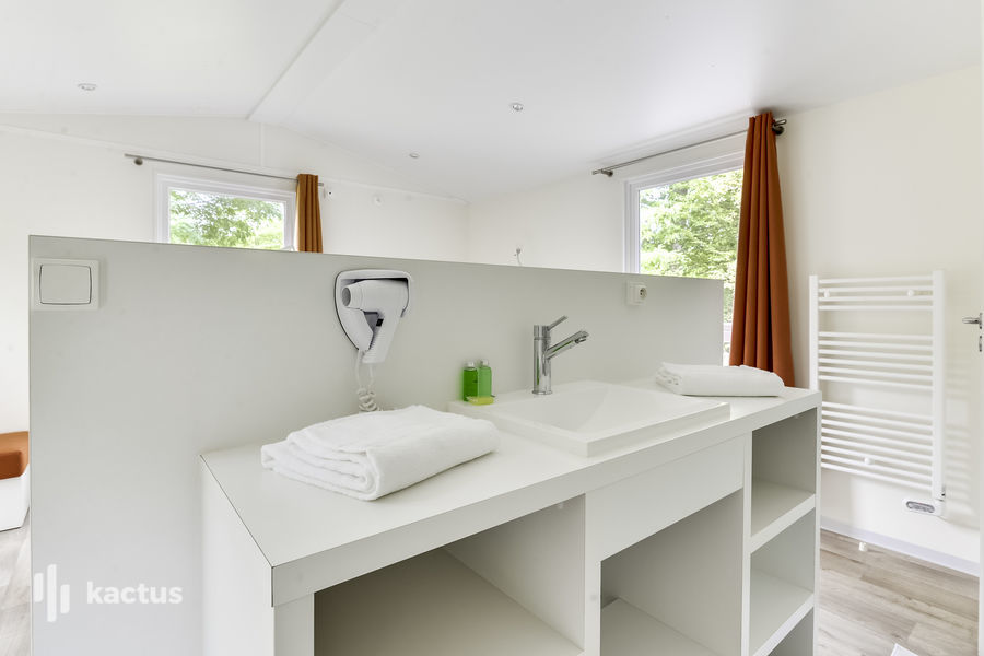 Business Village Salle de bain
