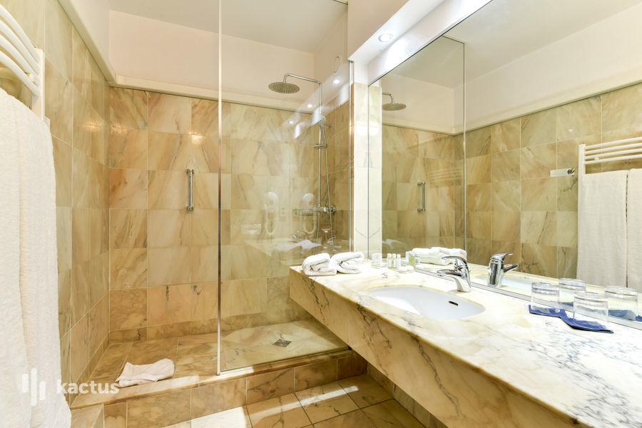 Alliance Couvent Des Minimes **** Salle de bain