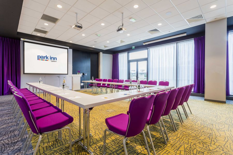 Park Inn by Radisson Lille Grand Stade **** 22