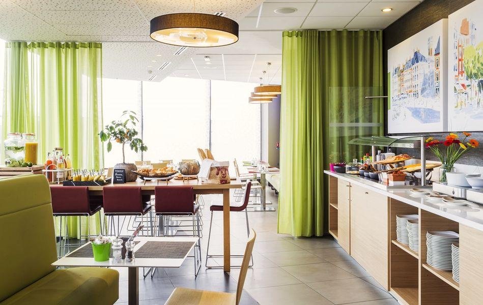 Park Inn by Radisson Lille Grand Stade **** 26
