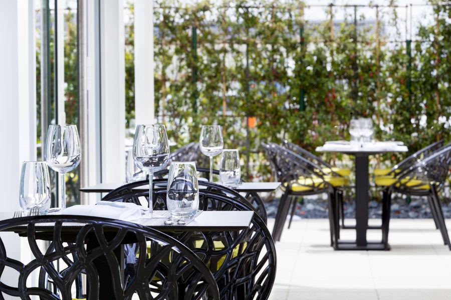 AC Hôtel Paris le Bourget Airport  **** Terrasse Restaurant