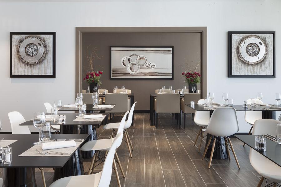 AC Hôtel Paris le Bourget Airport  **** Restaurant