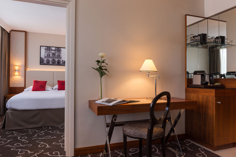 Crowne Plaza Paris - Neuilly   Junior Suite