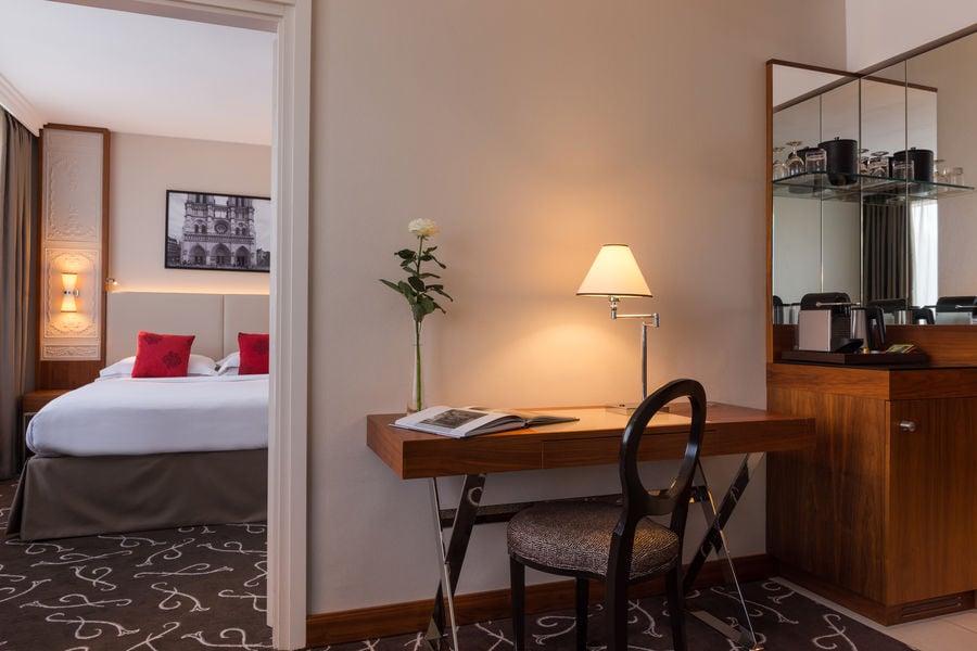 Crowne Plaza Paris - Neuilly  Junior Suite