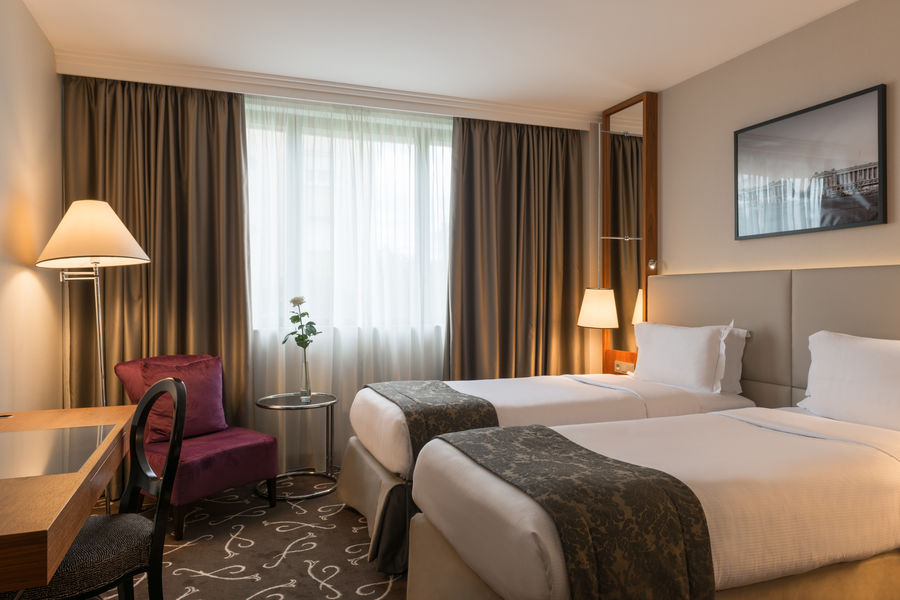 Crowne Plaza Paris - Neuilly   18